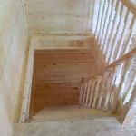 Лестница брусового дома